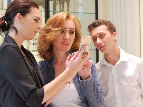 Женя с визажистом Олесей Скударевой и парикмахером Василием Клочковым